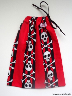 creacoton-sac-a-billes-pirate-rouge (1)