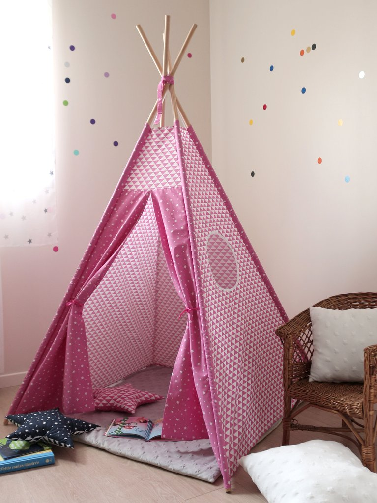 tipi chambre fille rose creacoton. Black Bedroom Furniture Sets. Home Design Ideas