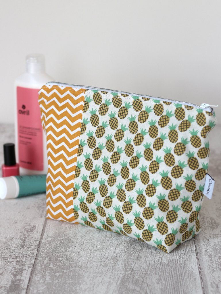 trousse de toilette Ananas Creacoton Oekotex made in France